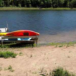 Wigwam Motel kayaks on the lake