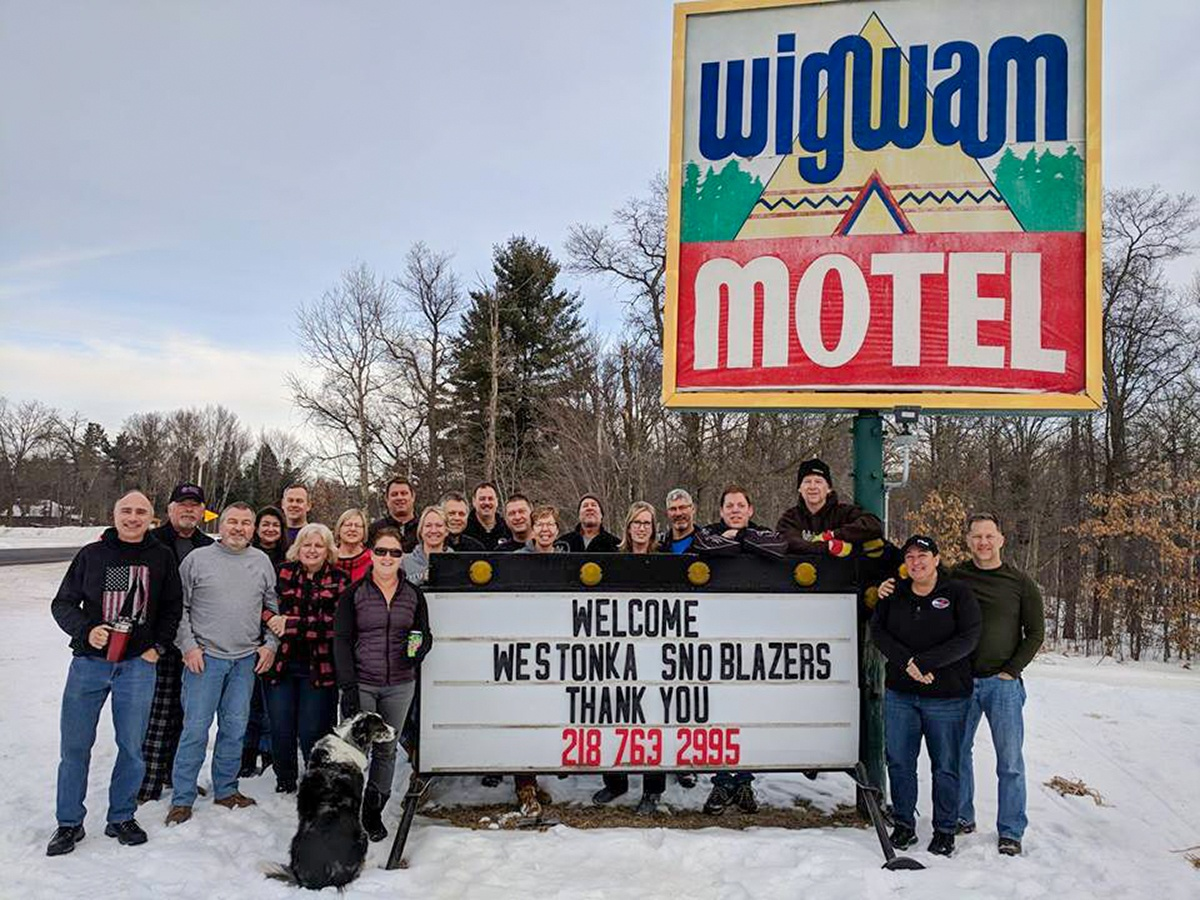Staff at Wigwam Motel/Lodge